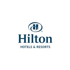 Логотип Hilton Hotels & Resorts
